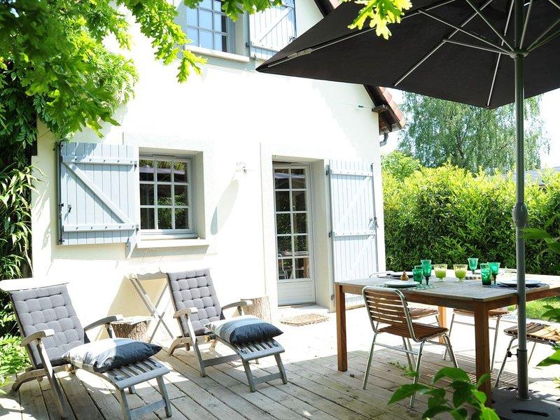 Confortable maison de vacances ou de week-end, à 10 minutes de la côte, holiday rental in Le Breuil-en-Auge