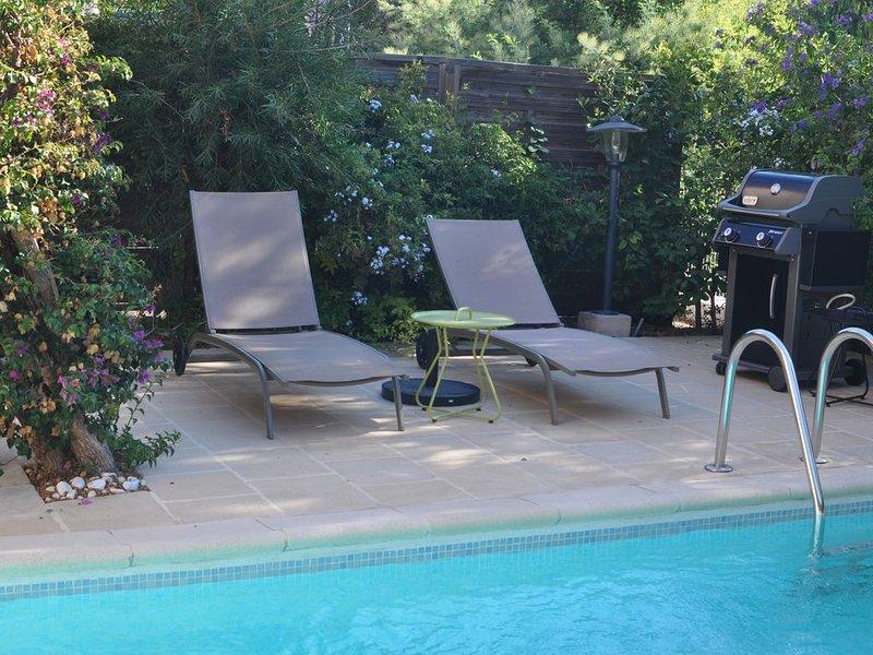 Charmante maison avec piscine  classée  3***  proche de la plage – semesterbostad i Bormes-Les-Mimosas
