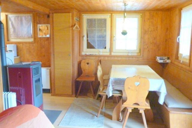 Extérieur : Appartement au rez-de-chaussée d'un chalet, près du funiculaire, pou, aluguéis de temporada em Oberems