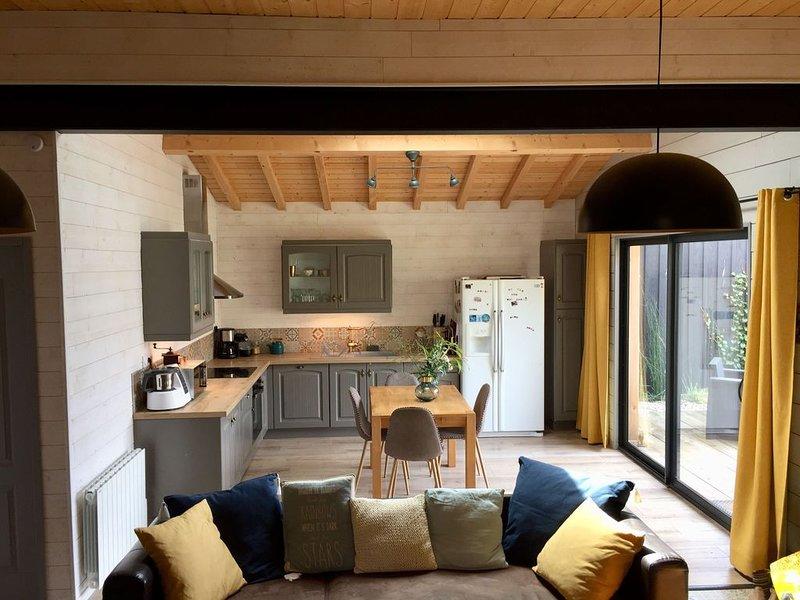 Maison traditionnelle du Bassin entièrement rénovée-  Emplacement rare., location de vacances à Claouey
