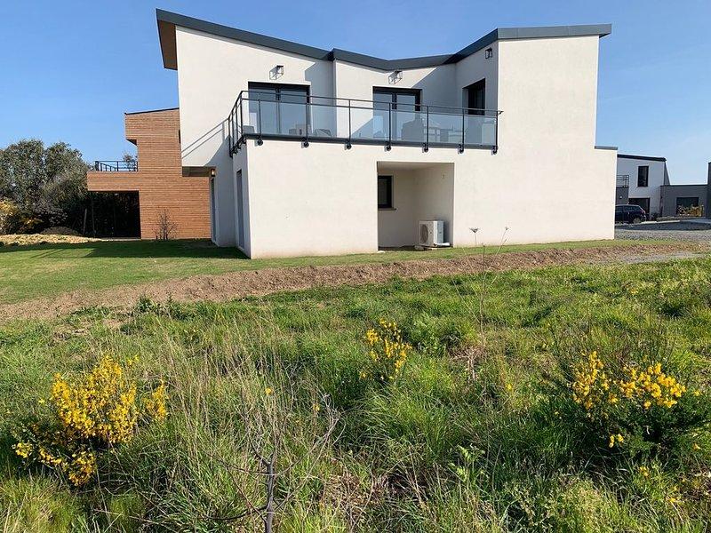 Maison neuve Vue Mer 4* avec SAUNA à 150m de la plage à PLEUMEUR-BODOU, vacation rental in Pleumeur Bodou