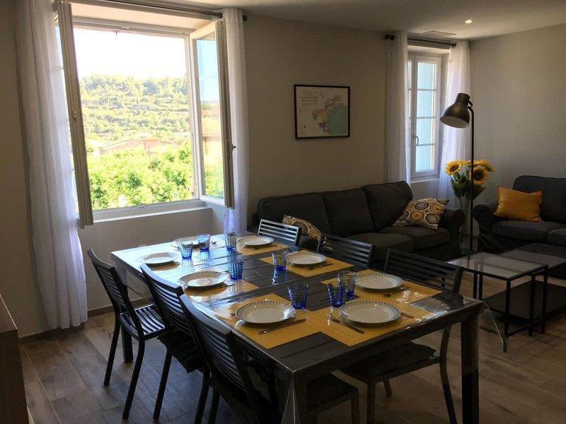 Gîte avec de superbes vues sur Lagrasse, location de vacances à Talairan