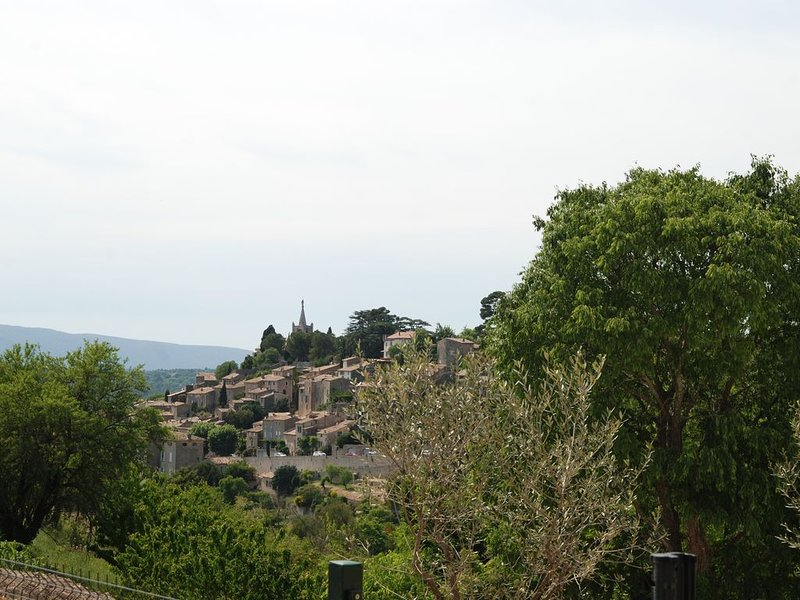 Appartement avec terrasse et piscine, holiday rental in Bonnieux en Provence