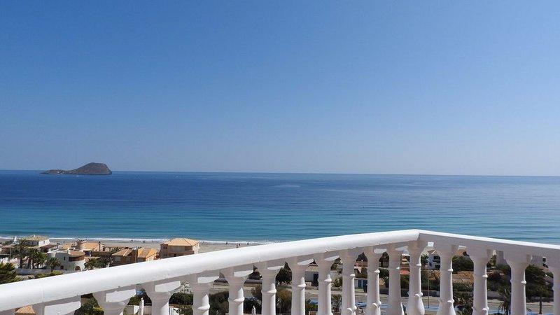 2 chambres au dernier étage +  90m2 de solarium privé, holiday rental in Mar de Cristal