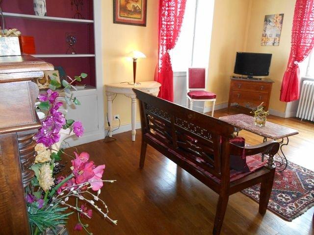 Appartement 5 personnes, au coeur de la cité médiévale Bourganeuf, vacation rental in Janaillat