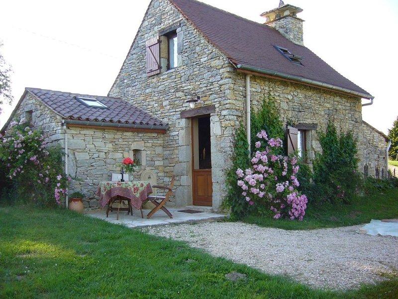 Idéal couple ancien four à pain 2/3 pers Wifi, piscine près Sarlat Dordogne, location de vacances à Saint-Aubin-de-Nabirat