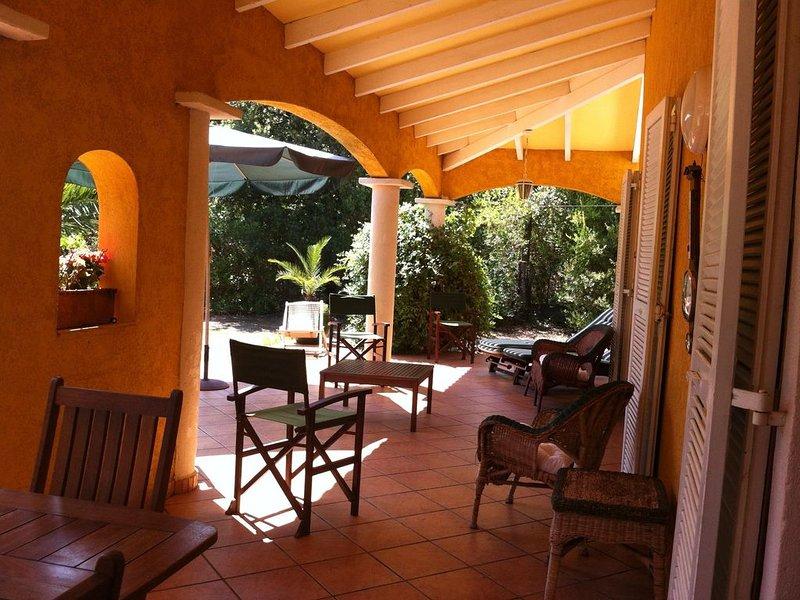 Belle maison, quartier très calme à 300m de la mer, alquiler de vacaciones en Solaro