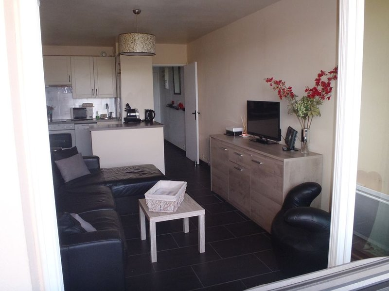 Cabourg, Bel Appartement avec Wi-Fi , 1-6 Personnes., holiday rental in Periers-en-Auge