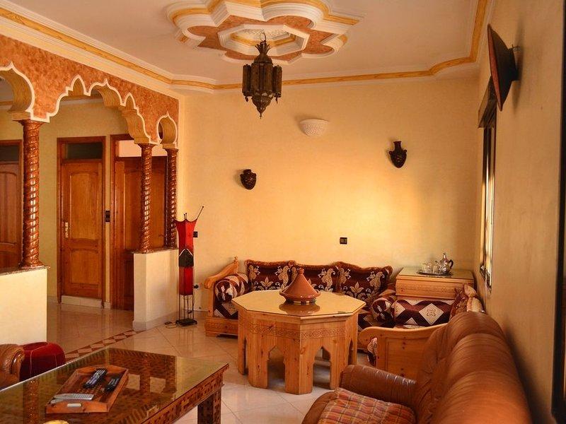 Idéalement situé, grand appartement à 200 mètres plage, proche de tout,, location de vacances à Essaouira