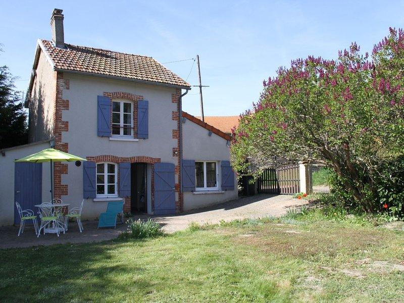 Gite 4 personnes tout confort proche chaîne des Puys,  Vulcania et Puy-de-Dôme, location de vacances à Chapdes-Beaufort