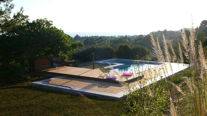 Location T1  32 m²,  Terasse et piscine, en pleine campagne à 6 Km d'Aix-en-Pce., holiday rental in Puyricard