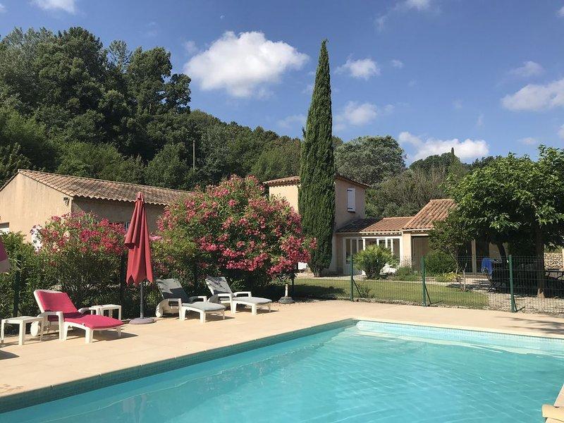 Mas provençal sur les hauteurs de Salernes, location de vacances à Sillans-la-Cascade