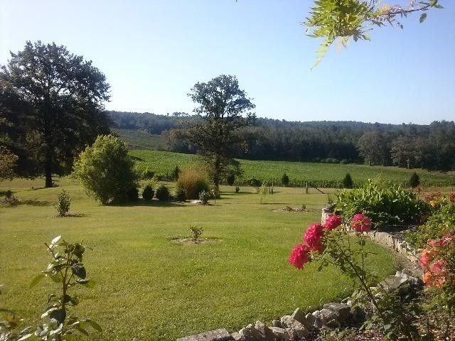 Jolie Maison  classée 3 étoiles proche Brantome avec piscine, location de vacances à Négrondes