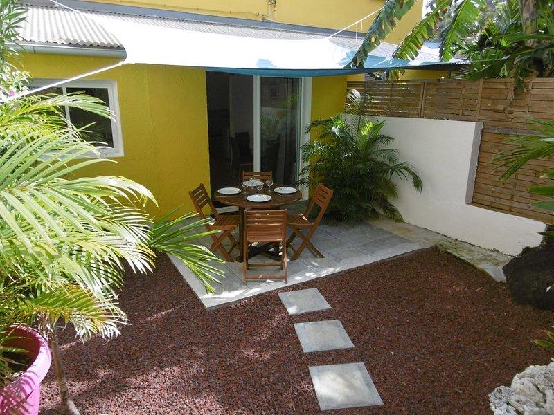 Appartement de charme  avec jardin à Terre Sainte (Saint Pierre), holiday rental in Mont-Vert les Bas