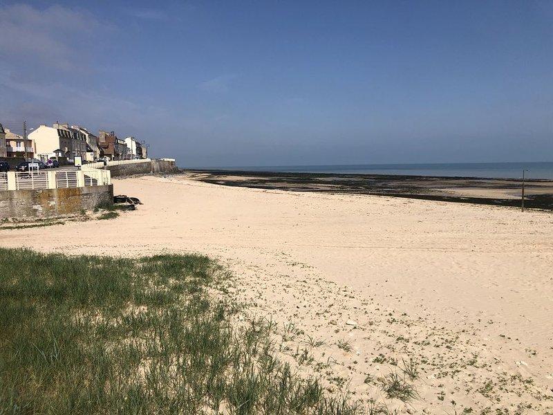 Bel appartement, vue sur mer, proche, centre ville, location de vacances à Douvres-la-Delivrande