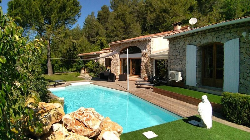 Amazing villa with swimming-pool, holiday rental in Beuil