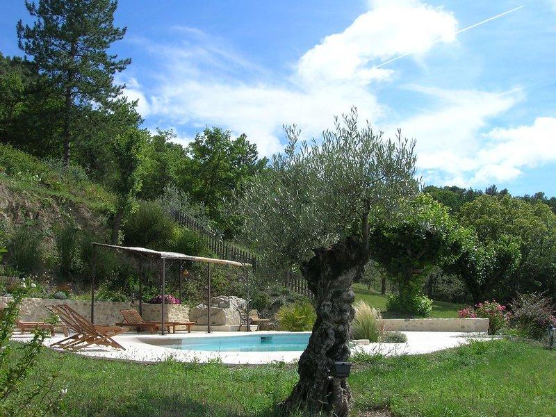 Gite de charme. Belle vue sur Nyons, location de vacances à Drôme