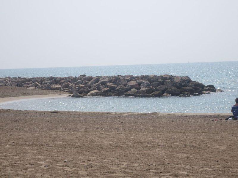 plage à 30 m - villa t3 avec parking, location de vacances à Frontignan