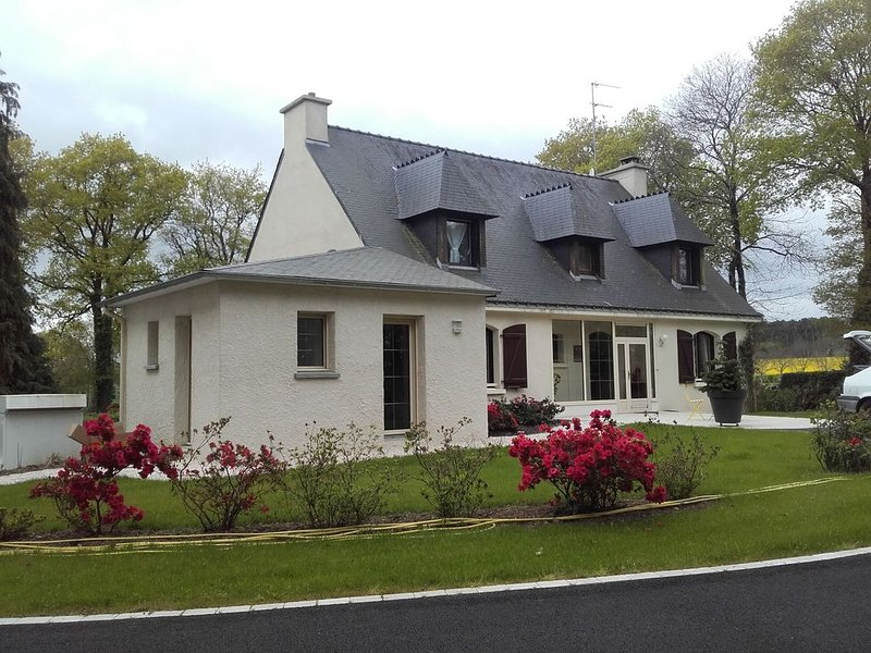 BRETAGNE SUD - le Morbihan- location saisonnière de mai à septembre., holiday rental in Questembert
