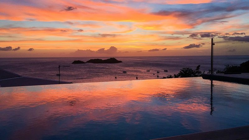 Magnifique villa de standing 6 personnes avec vue sur les Ilets Pigeon, holiday rental in Guadeloupe