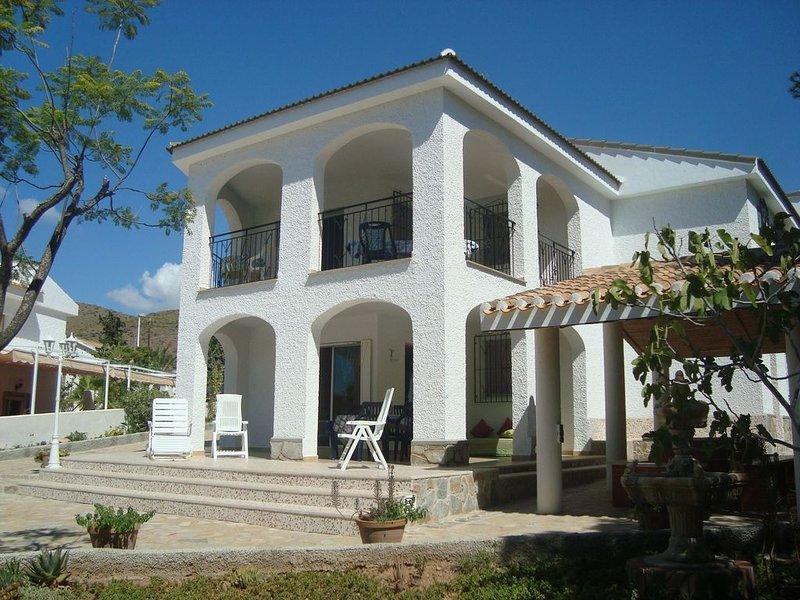 Villa, La Azohia rez-de-chaussée, jardin 6/10 personnes 400 mètres plage, location de vacances à La Azohia