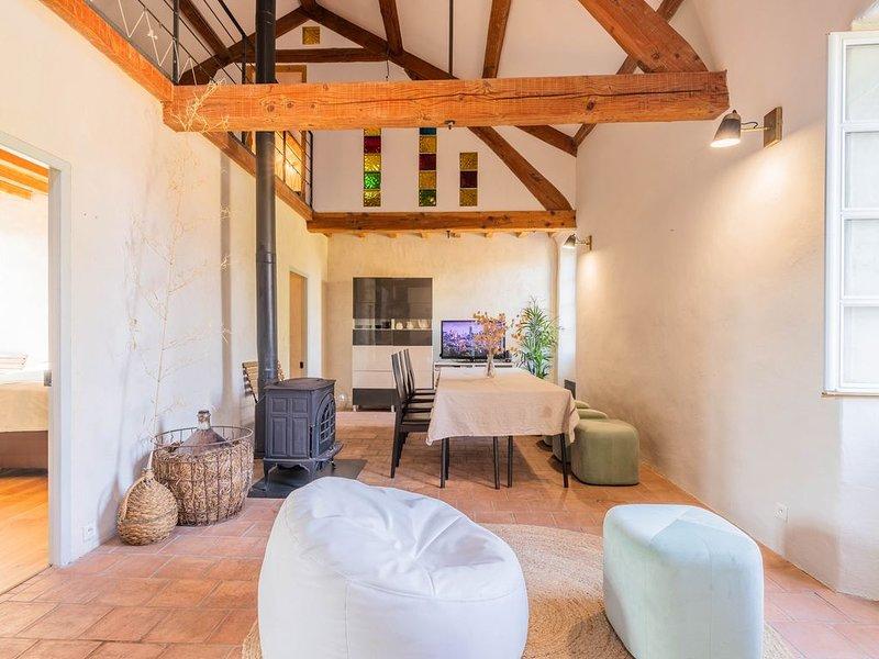 Retraite bucolique au coeur d'un château provençal, holiday rental in Saint-Laurent-des-Arbre