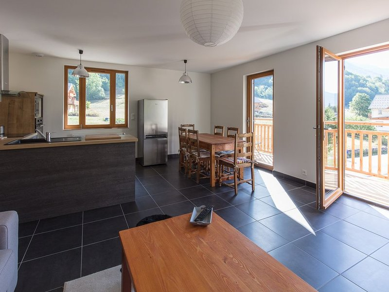 Appartement t3 lumineux triple exposition, location de vacances à Vallouise-Pelvoux
