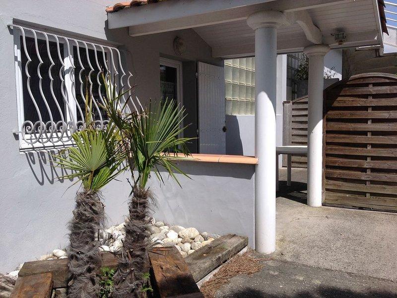 Appartement  T2 indépendant dans grande propriété avec jardin, vacation rental in Gujan-Mestras