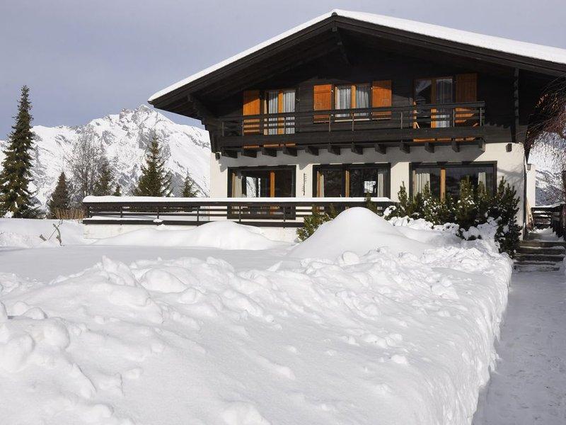 Beau Chalet familial au coeur de Haute Nendaz avec vue imprenable sur les Alpes., holiday rental in Haute-Nendaz