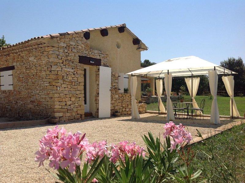 propriété proche d'Aix En Provence, holiday rental in Coudoux