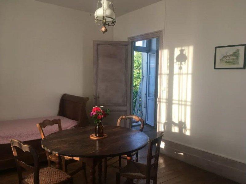 Meschers: Havre de paix dans Pavillon 'Tisa', casa vacanza a Meschers-sur-Gironde