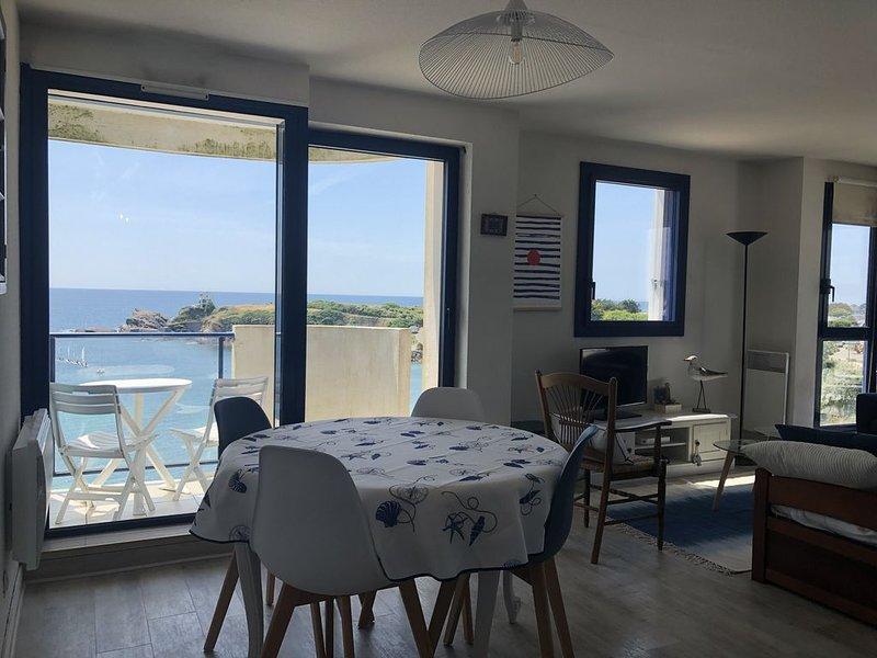 Appartement 4 personnes FACE MER - LE POULDU - CLOHARS-CARNOËT4, holiday rental in Clohars-Carnoet