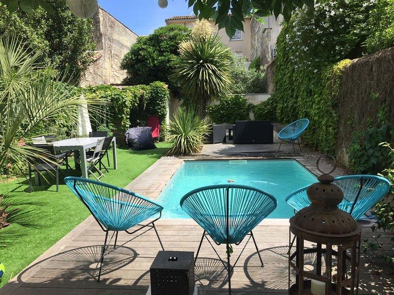Maison Bordeaux proche centre (quartier des chartrons), jardin et piscine, location de vacances à Lormont