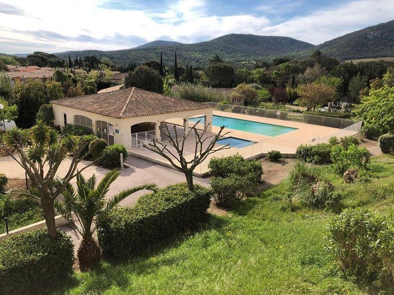 Appartement 7 personnes, terrasse 1er étage, Plan de la Tour, golfe Saint Tropez, casa vacanza a Plan de la Tour