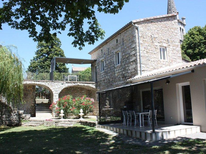 Gîte 3 etoiles en Ardéche méridionale pour 4 personnes, aluguéis de temporada em Berrias et Castejau