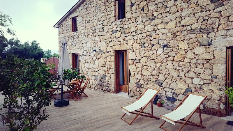 Magnifique moulin du 18eme, holiday rental in Cuttoli-Corticchiato