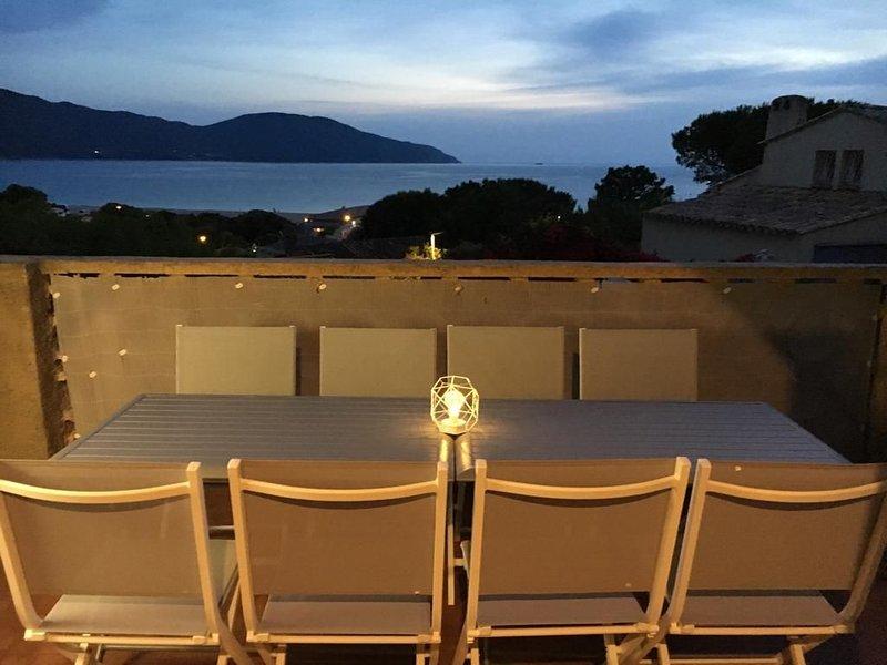Villa vue mer 50m de la plage, aluguéis de temporada em Appietto