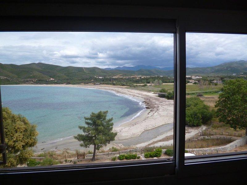 Appartement 5 couchages climatisé sur la plage de Lozari à 7 km de l'Ile-Rousse, casa vacanza a Belgodere