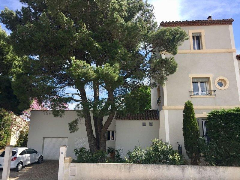 Maison vigneronne bourgeoise au calme entre mer et massif de la clape., location de vacances à Lespignan