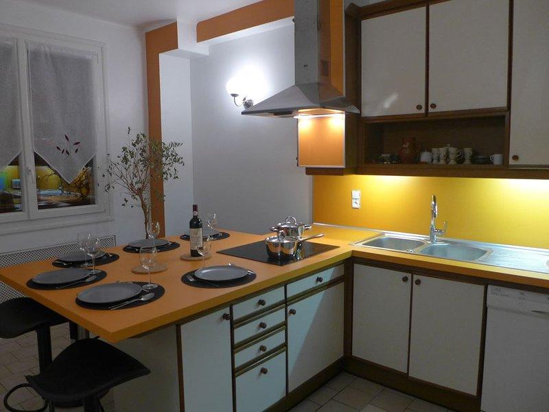 Maison individuelle (14 personnes) au centre de Saint-Lary, entièrement rénovée, holiday rental in Saint-Lary-Soulan