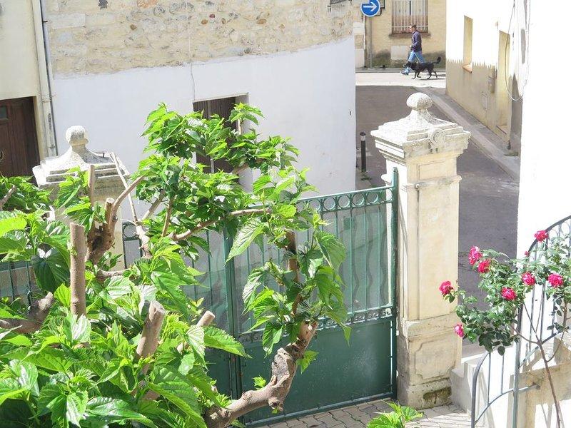 'CAN INES', maison de village avec terrasse.., vacation rental in Vendargues