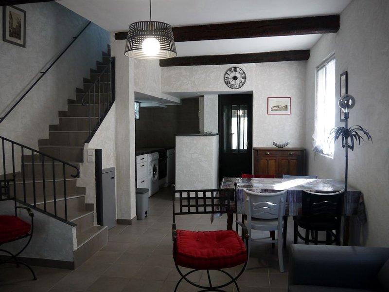 PROCHE DES PLAGES  maison tout confort CLIM WIFI, aluguéis de temporada em Pinet