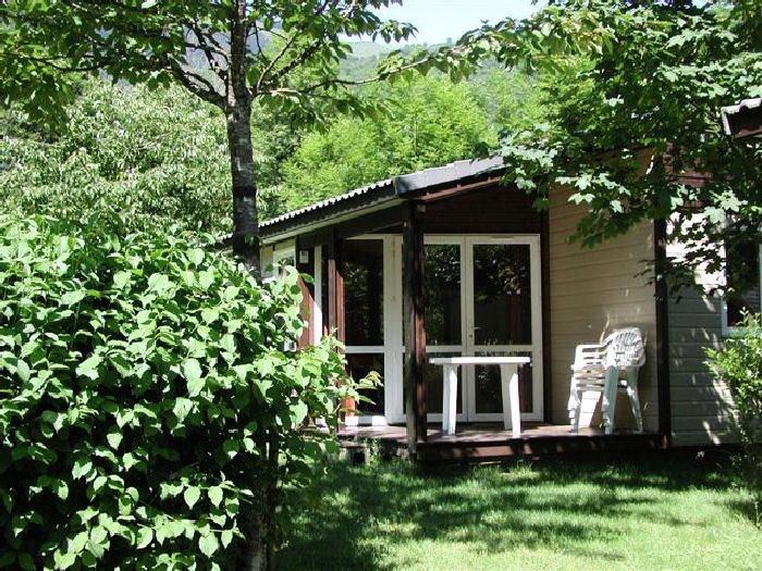 Camping Le Pas de l'Ours*** - Chalet Détente 3 Pièces 4 Personnes, holiday rental in Vebre