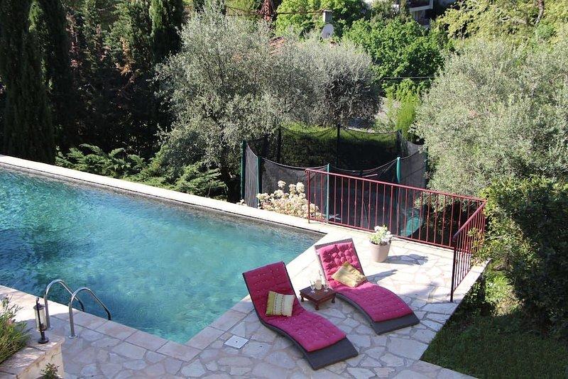 Belle villa vençoise avec piscine, holiday rental in Coursegoules