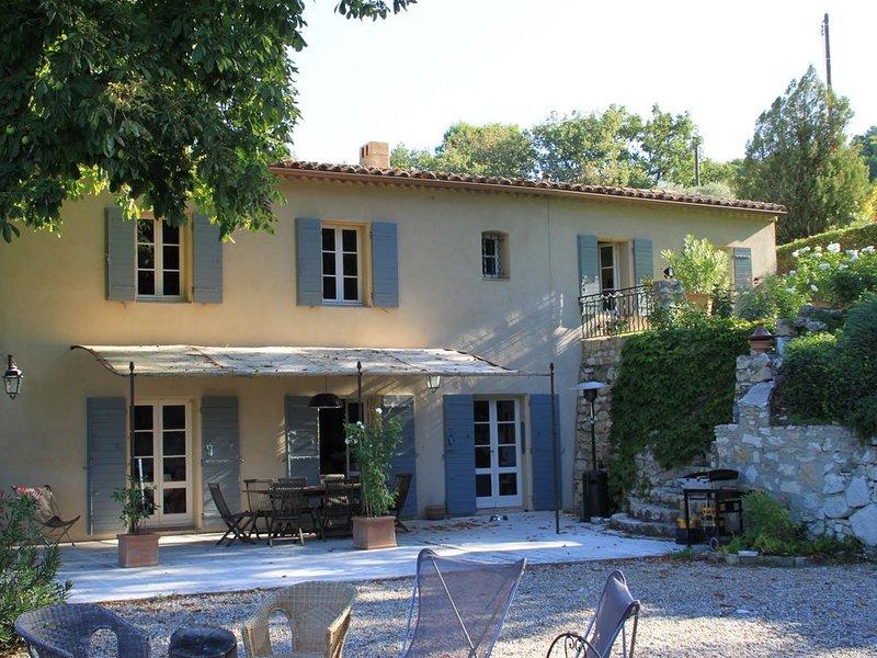 Belle BASTIDE au coeur de la campagne provençale, holiday rental in Puyricard