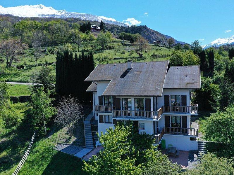 Maison de la Tour - Appartement 8/12p Collet Blanc - Moyenne Montagne, holiday rental in Saint Michel de Maurienne