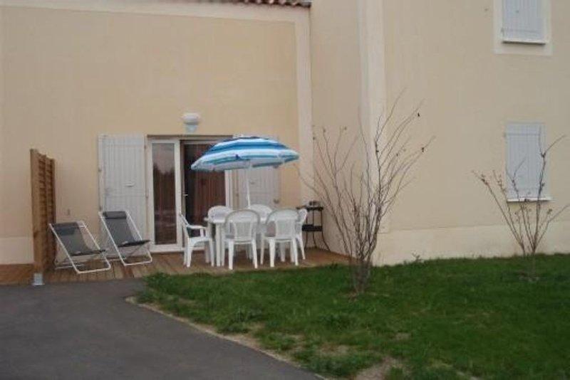 Maison  T3 dans un Village De Vacances 3 étoiles En Provence, holiday rental in Aubignan