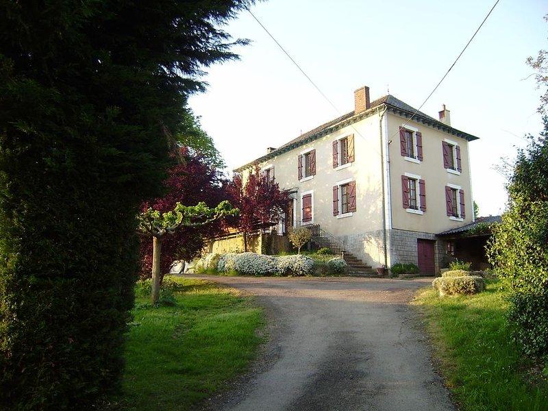 Gîte de La Griffoulière à Flagnac de 4 à 15 personnes dans L'Aveyron, holiday rental in Grand-Vabre
