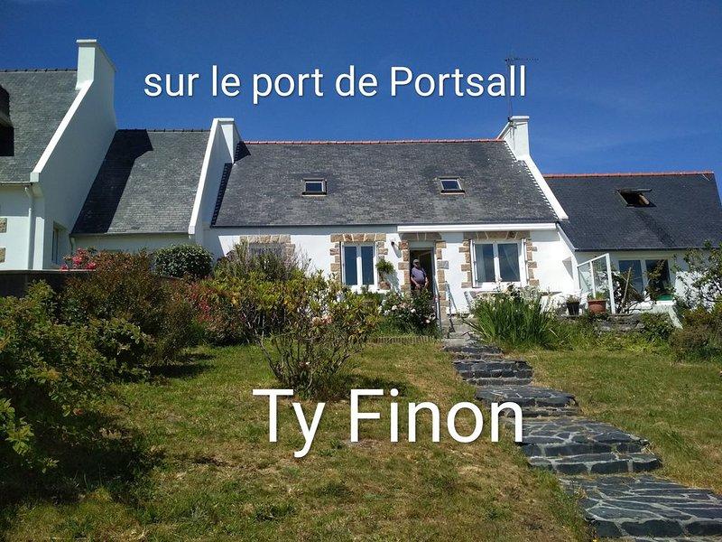 Sur le port de Portsall ,   vivez au rythme des marées, Ferienwohnung in Plourin