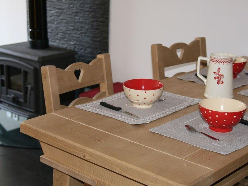 Le Couvalou gîte 3 étoiles Jura, holiday rental in Chaux-Neuve